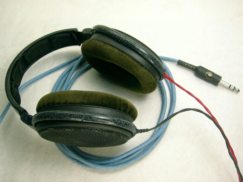 sennheiser hd 600 headphones with cardas cables. Black Bedroom Furniture Sets. Home Design Ideas